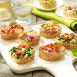 Comida a domicilio - 9 Mini bruschettas listas para hornear
