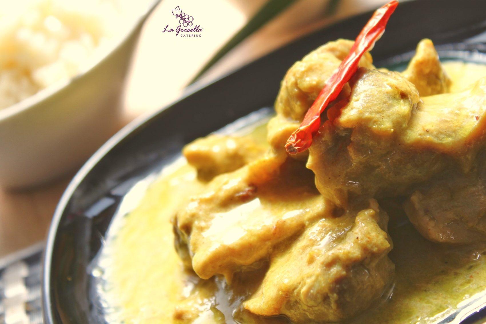 Ragú de pollo al curry amarillo