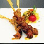 Comida a domicilio - 12 Mini brochetas con salsa yakitory