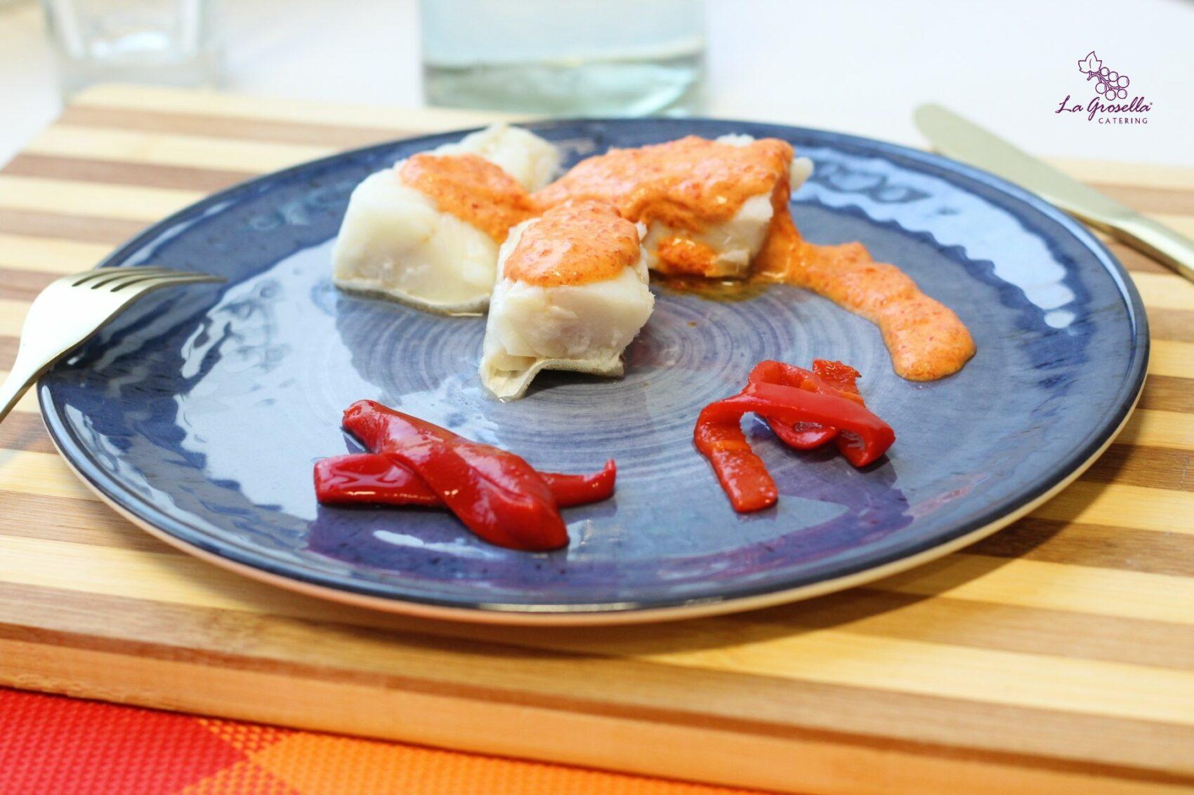 Bacalao con salsa de pimientos del piquillo