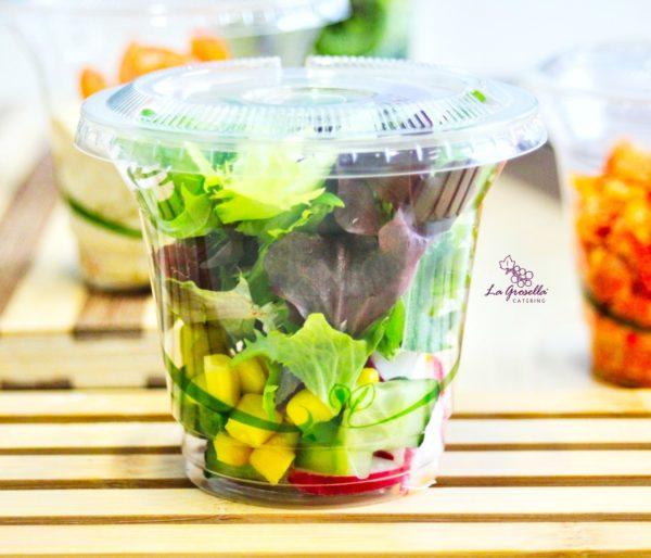 Ensalada vegana vasito compostable de La Grosella