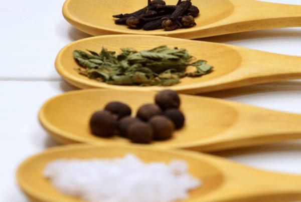 Cuatro alternativas a la sal para sazonar un plato