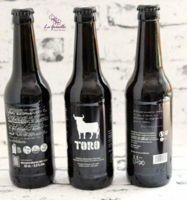 Botella de cerveza negra Toro