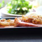 Comida a domicilio - Lomo de Sajonia con cebolla caramelizada