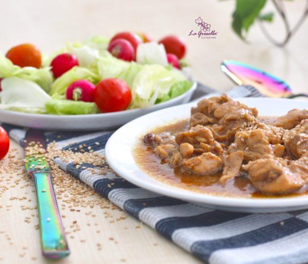 Ragú de pollo con setas, soja y sésamo de La Grosella