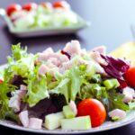 Comida a domicilio - Ensalada con pavo y manzana