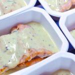Comida a domicilio - Salmón Keta con salsa de mostaza y yogur al eneldo
